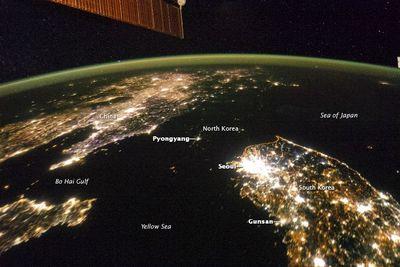 North-korea-lights-space-01_76991_990x742